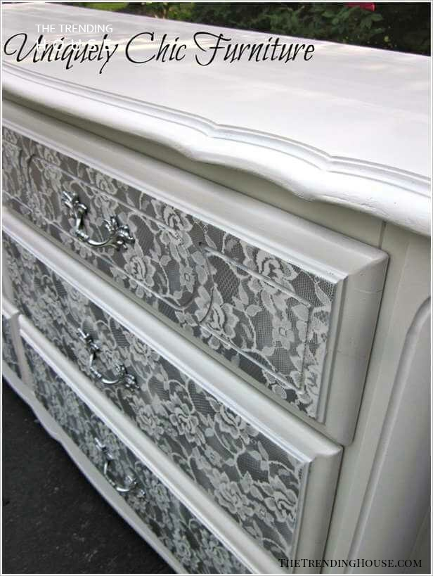 A Stenciled Floral Design for an Antique Style