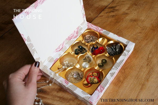 Another Easy Jewelry Organizing Solution