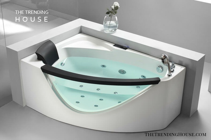 EAGO AM198-R Clear Rounded Modern Whirlpool Bathtub