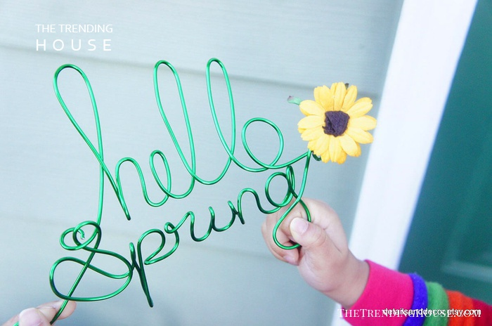 Bright Green Hello Spring Twist