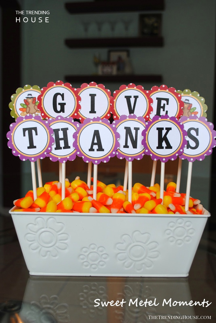 "Candy-corn Dish with Printable ""Give Thanks"" Sign"