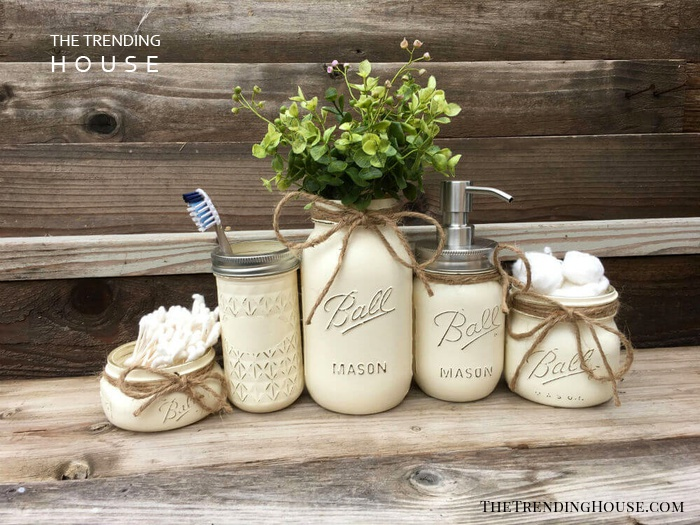 Country Home and Heart Mason Jars