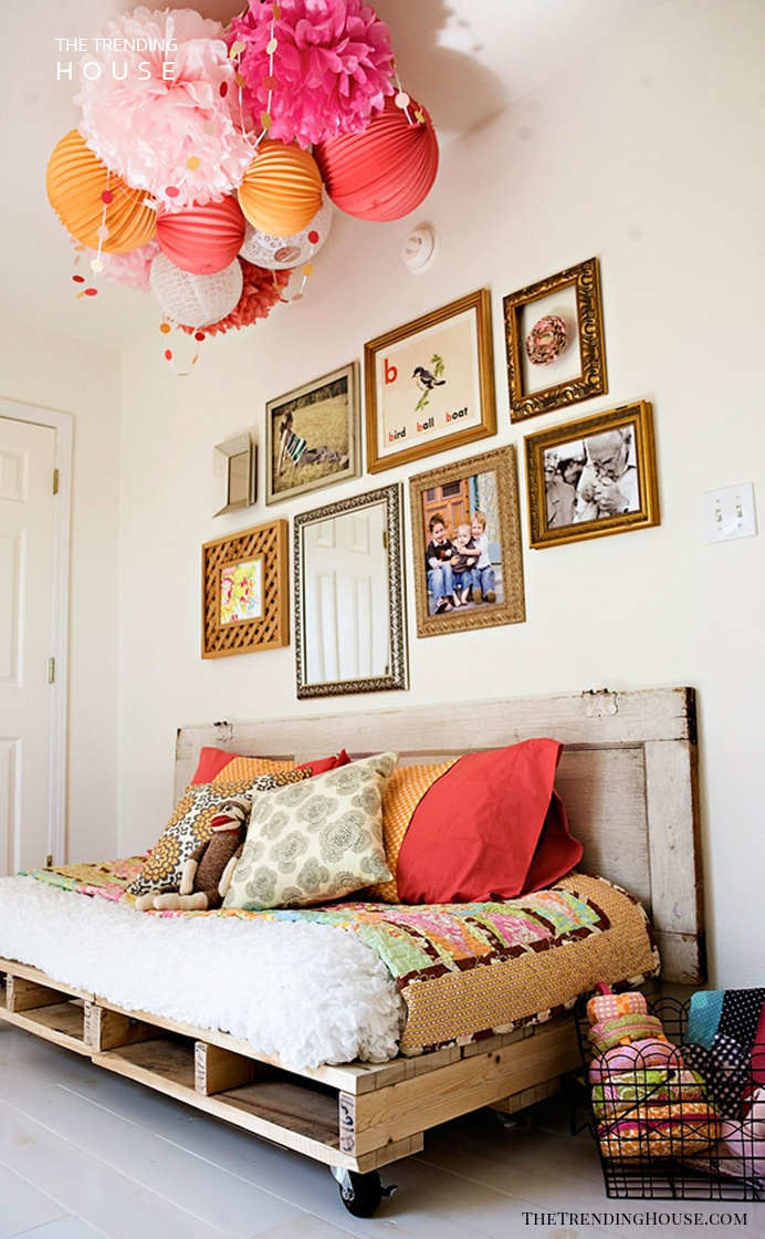 Cozy Roll Away Daybed