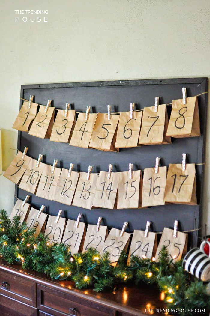 45 Easy DIY Dollar Store Christmas Decorations for ...