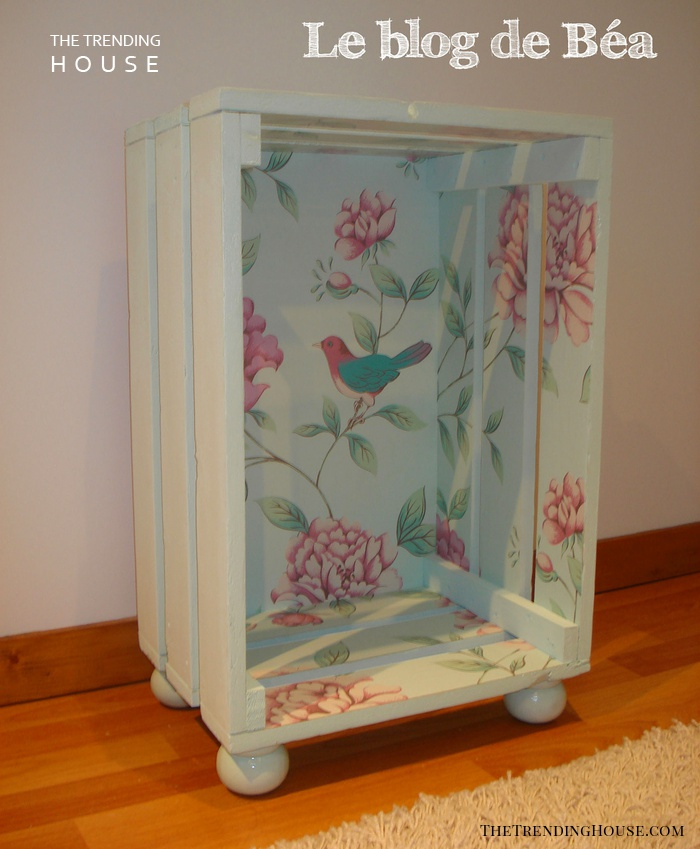 DIY Shabby Chic Side Table