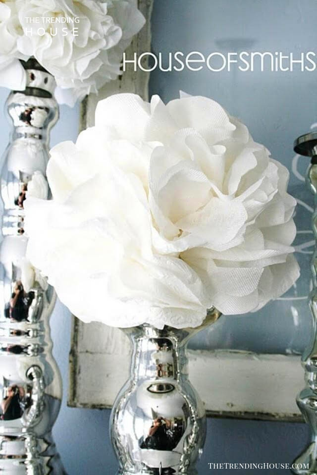 Express Modernity with White Spherical Roses