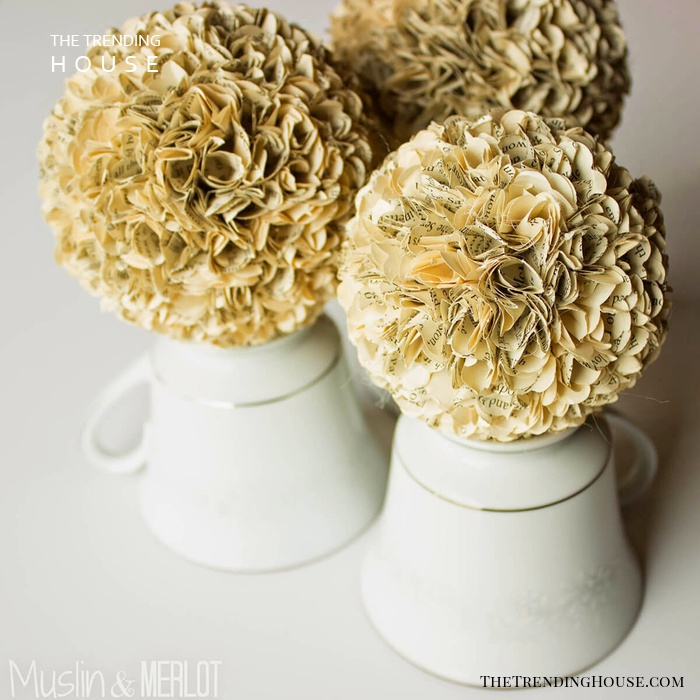 Golden Flowers for a Luxurious Statement