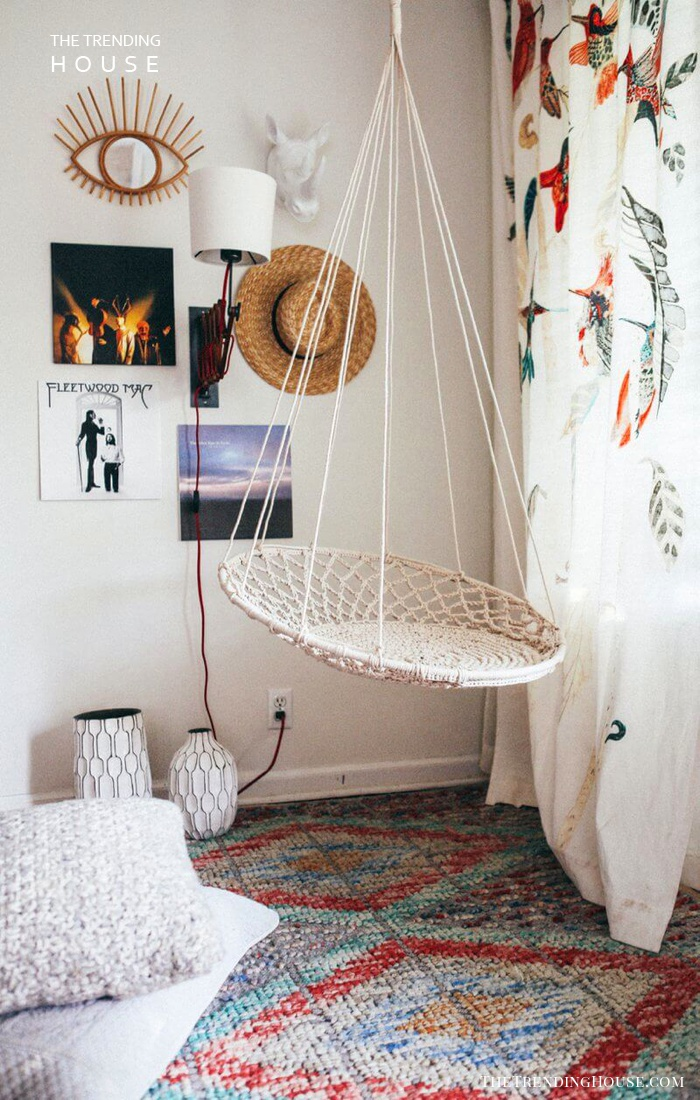 Indoor Swing with Meaningful Pictures