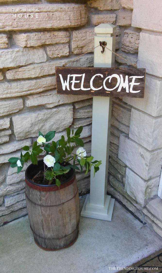 Little Barrel with Roses and Welcome Sign