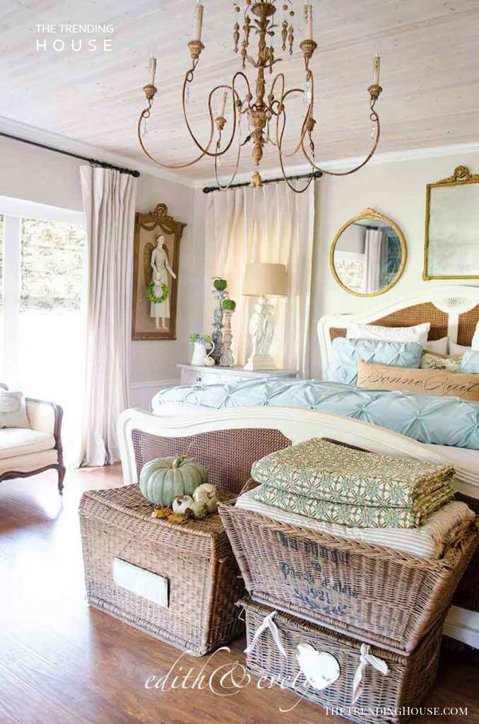 25+ Romantic Bedroom Decor Ideas to Make Your Home More ...