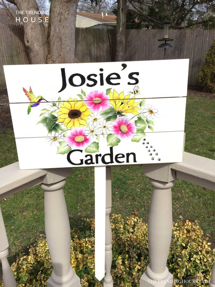 Personalized Hummingbird and Bee Garden Sign