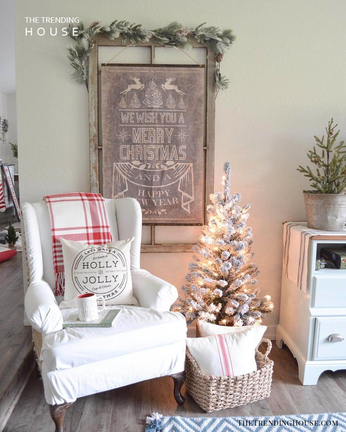 Relaxing Armchair with a Merry Wall Art