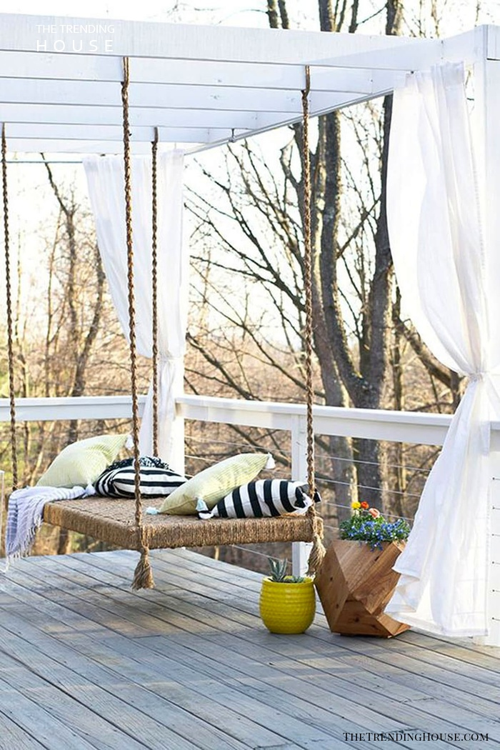 Simple Curtains for Minimalist Chic