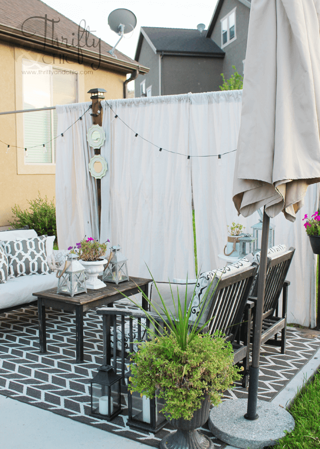 Simple curtains for easy space sectioning