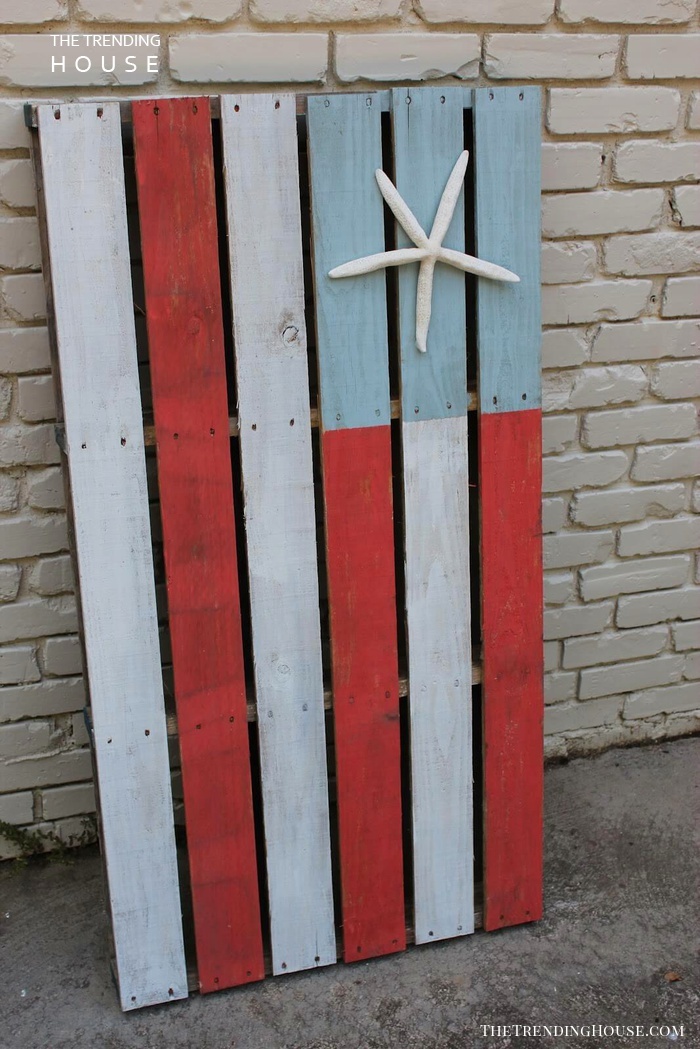 Starfish and Stripes Wooden Pallet Flag
