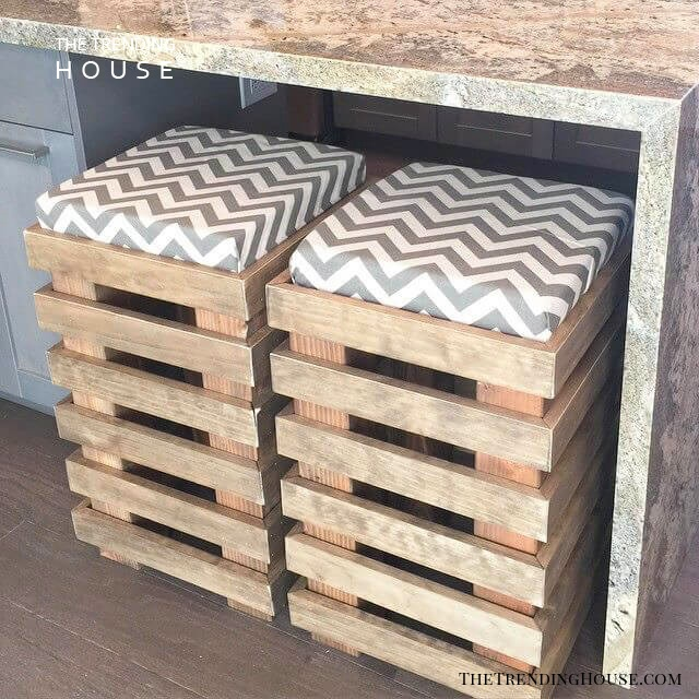 Stools with a Soft, Zig-Zag Patterned Cushion
