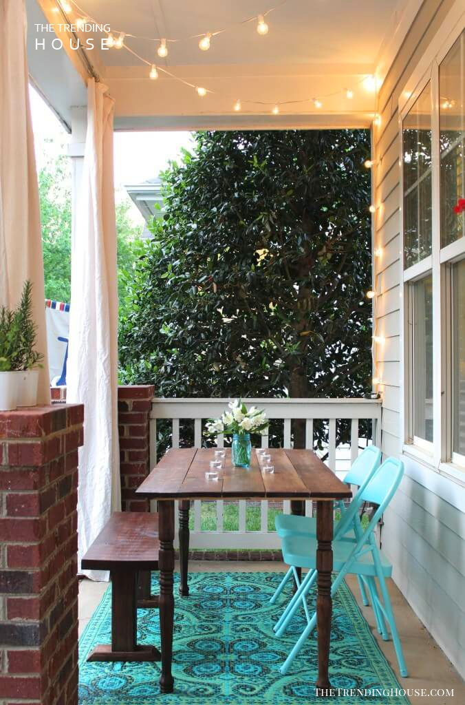 Sweet and Simple Outdoor Dinner Table
