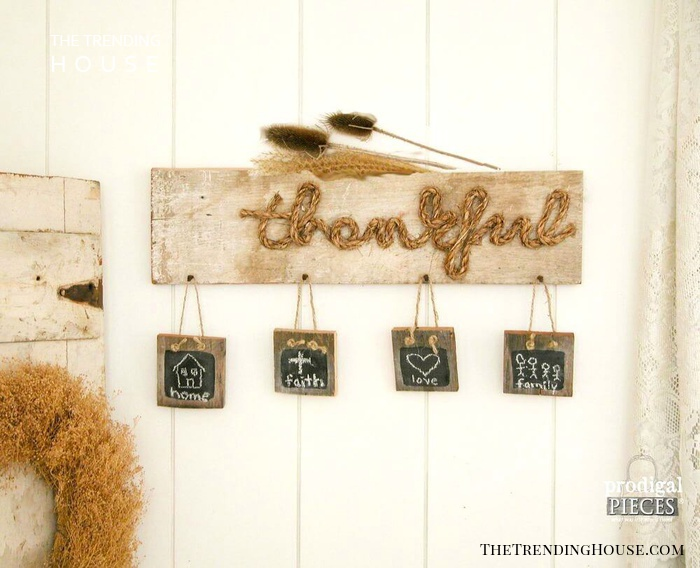 """""""Thankful"""" Wall Hanging with Small Signs"""