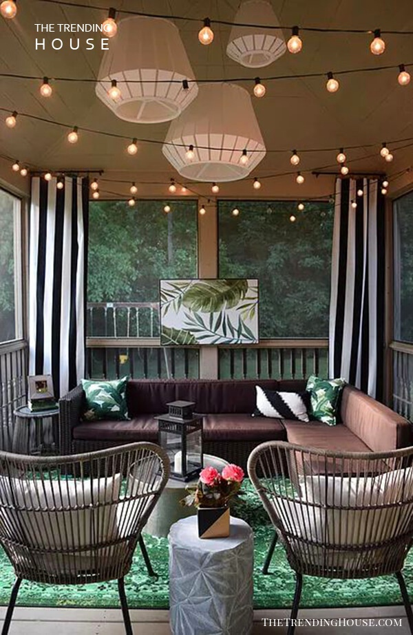 Tropicana-Inspired Enclosed Porch for Lounging