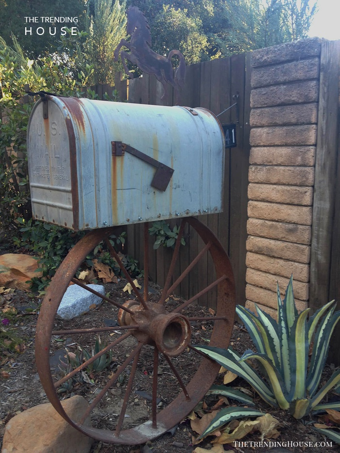 Vintage Western Style with a Wagon Wheel