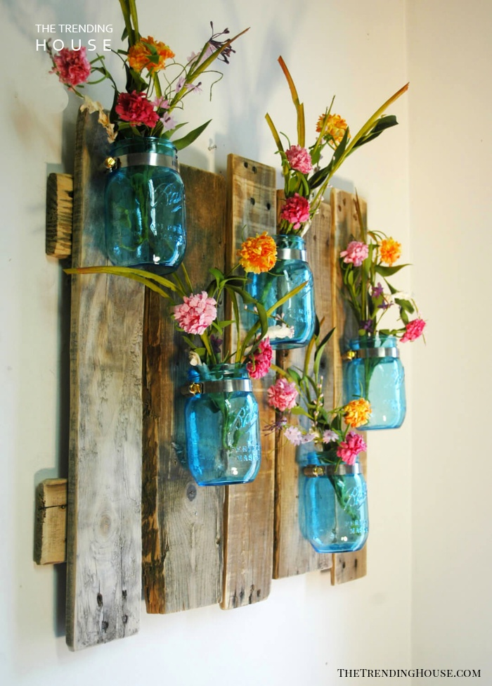 Weathered Wood Blue Mason Jar Flower Holder