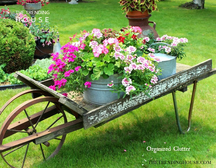 34 Vintage Garden Decor Ideas To Give Your Outdoor Space Vintage Flair The Trending House
